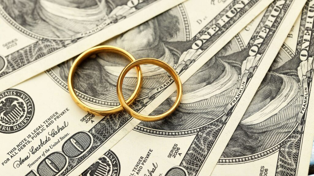 Dealing With The Financial Problem In Today's Marriages